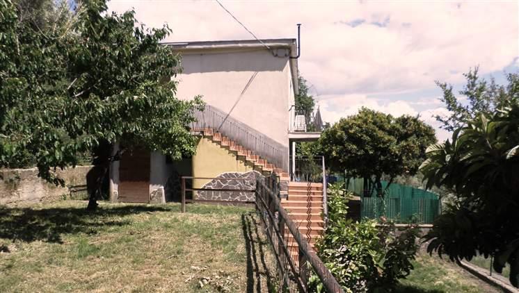 Soluzione Indipendente in vendita a Arcola, 4 locali, zona Zona: Trebiano, prezzo € 210.000 | Cambio Casa.it