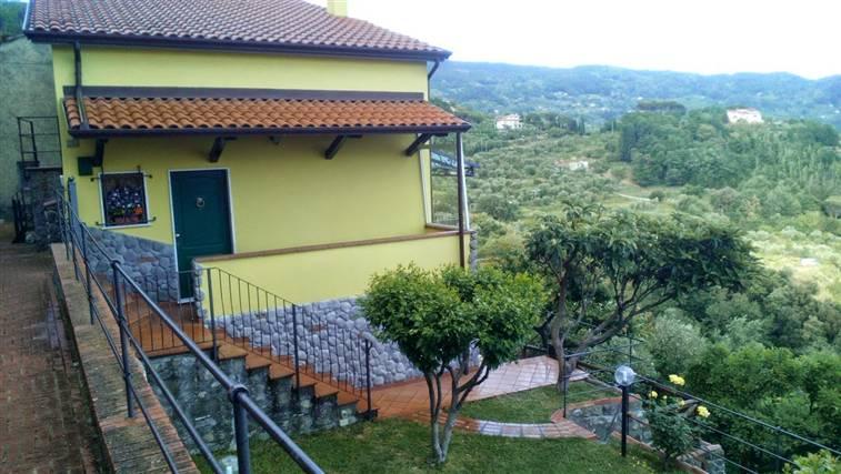 Soluzione Indipendente in vendita a Santo Stefano di Magra, 5 locali, zona Zona: Ponzano Superiore, prezzo € 270.000 | Cambio Casa.it