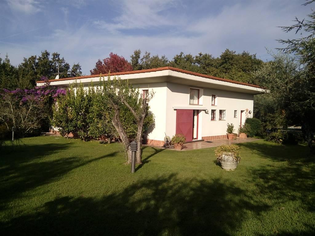 Villa in vendita a Sarzana, 8 locali, zona Località: FORTEZZA, prezzo € 850.000 | Cambio Casa.it