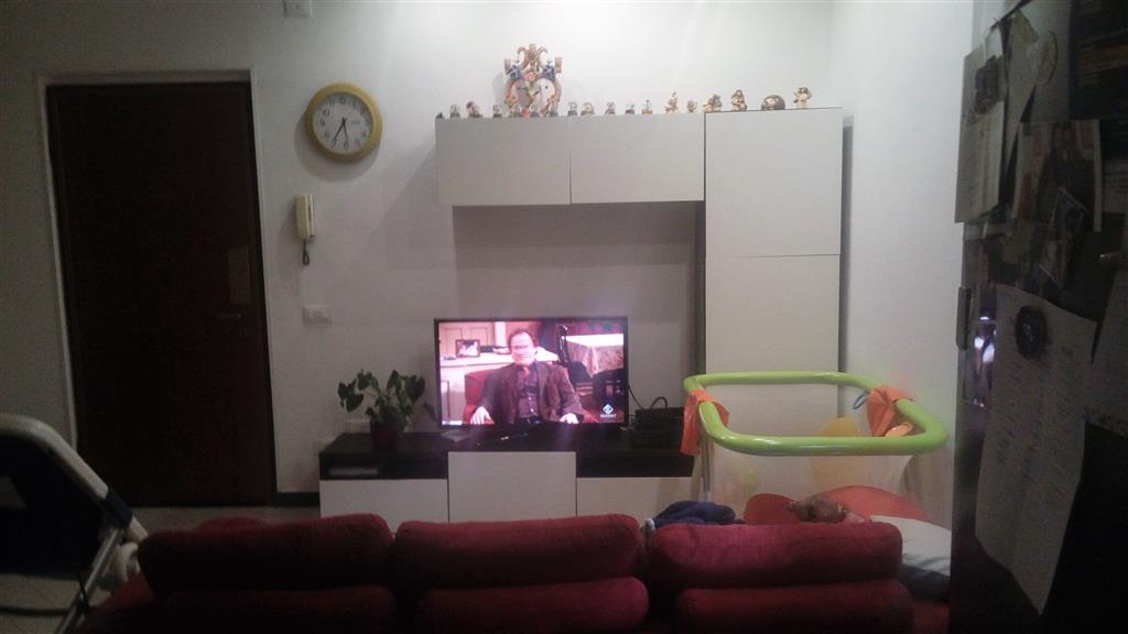 Appartamento in vendita a Ortonovo, 4 locali, zona Zona: Luni Mare, prezzo € 165.000   Cambio Casa.it