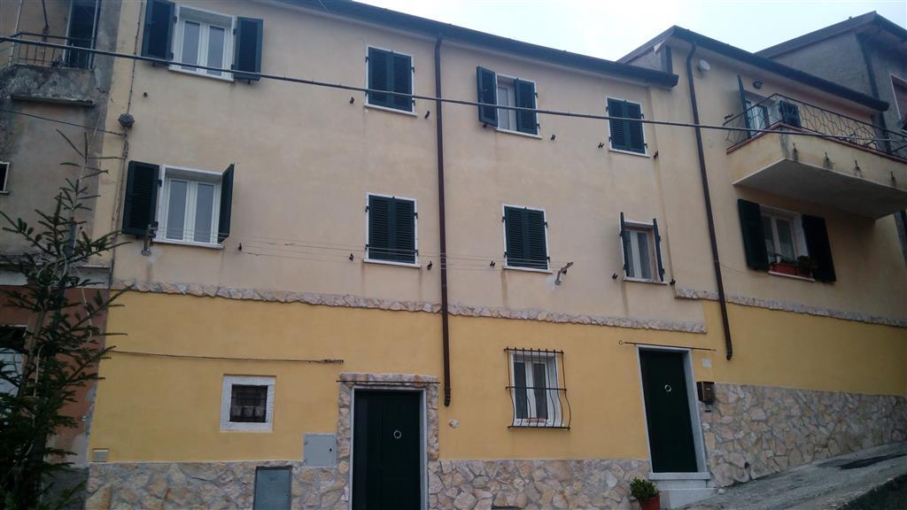 Soluzione Indipendente in vendita a Carrara, 5 locali, zona Zona: Noceto, prezzo € 120.000 | Cambio Casa.it