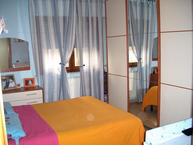 Appartamento in vendita a Santo Stefano di Magra, 3 locali, zona Località: USCITA RACCORDO-GIARDINIA, prezzo € 105.000 | Cambio Casa.it