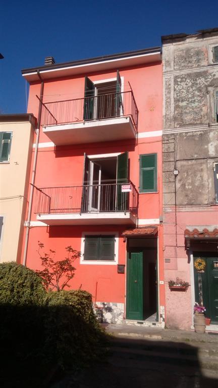 Soluzione Indipendente in vendita a Arcola, 5 locali, prezzo € 75.000 | Cambio Casa.it