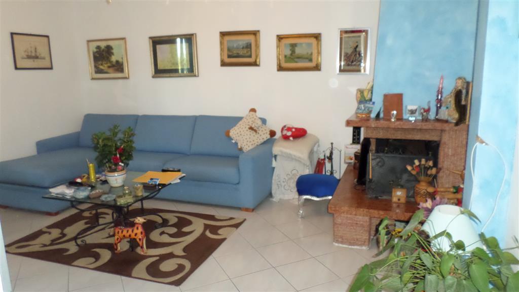 Appartamento in vendita a Santo Stefano di Magra, 3 locali, zona Zona: Ponzano Madonnetta, prezzo € 130.000 | Cambio Casa.it