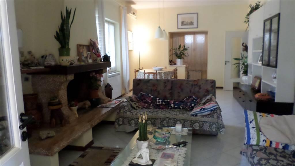 Soluzione Indipendente in vendita a Castelnuovo Magra, 5 locali, zona Zona: Molicciara, prezzo € 360.000 | Cambio Casa.it
