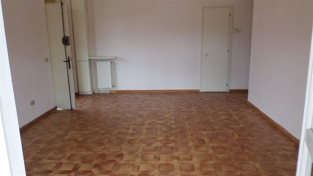 Soluzione Indipendente in affitto a Castelnuovo Magra, 4 locali, zona Zona: Colombiera, prezzo € 600 | Cambio Casa.it