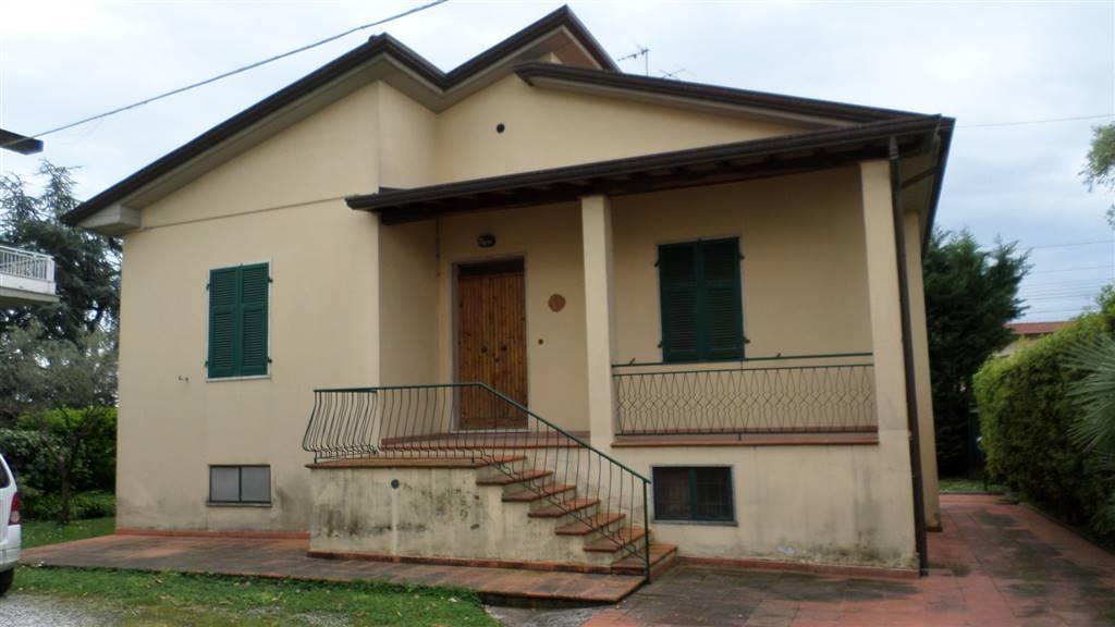 Soluzione Indipendente in vendita a Ortonovo, 5 locali, zona Zona: Dogana, prezzo € 250.000 | Cambio Casa.it