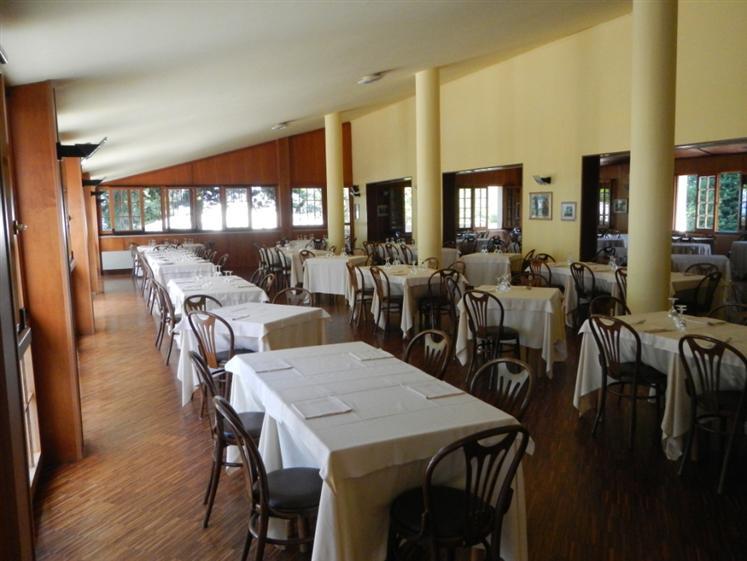 Ristorante / Pizzeria / Trattoria in vendita a Senigallia, 10 locali, Trattative riservate | Cambio Casa.it