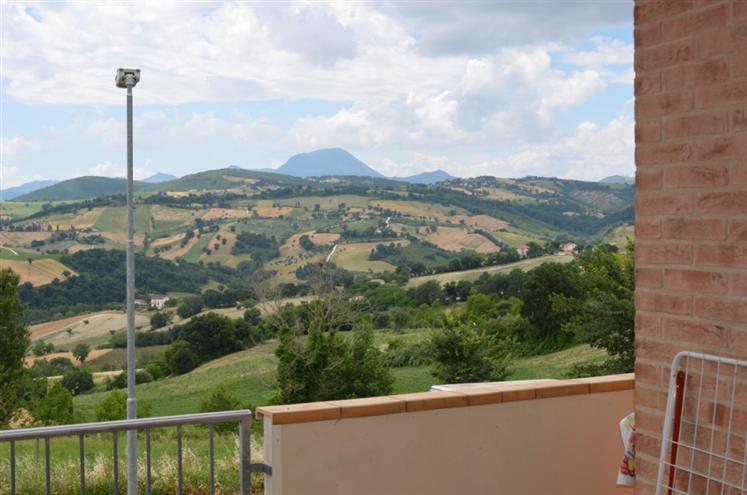 Appartamento in vendita a Staffolo, 5 locali, prezzo € 179.000 | Cambio Casa.it