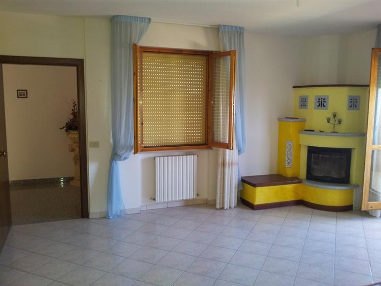 Soluzione Indipendente in vendita a Santa Maria Nuova, 5 locali, zona Zona: Collina, prezzo € 167.000 | Cambio Casa.it