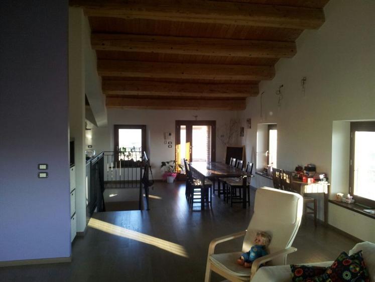 Villa in vendita a Jesi, 6 locali, Trattative riservate | Cambio Casa.it