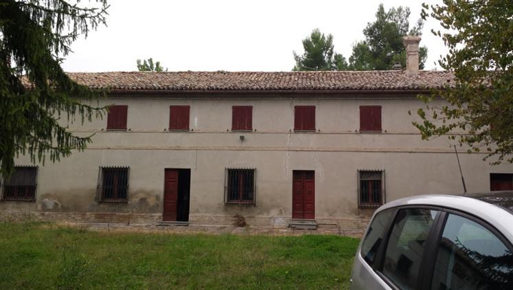 Rustico / Casale in vendita a Jesi, 15 locali, Trattative riservate | Cambio Casa.it