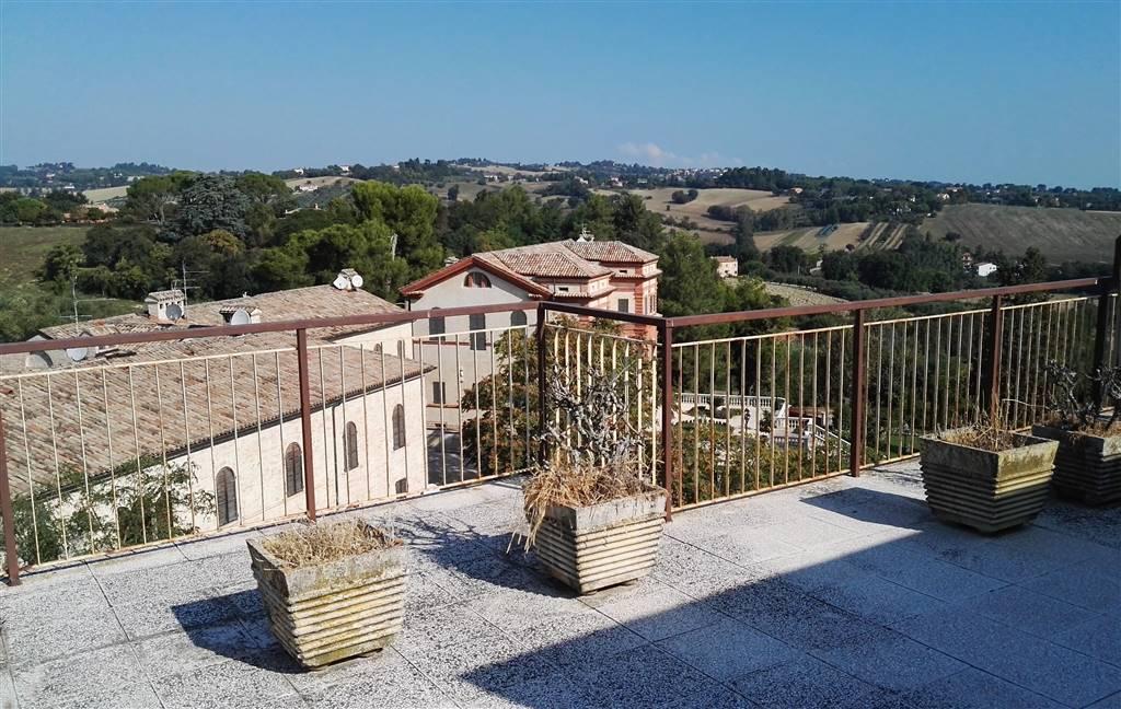 Attico / Mansarda in vendita a Jesi, 5 locali, prezzo € 130.000 | Cambio Casa.it