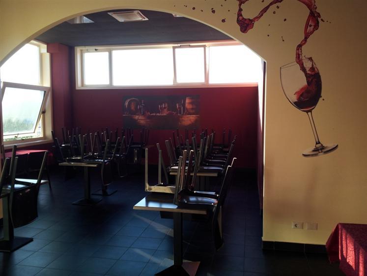 Bar in vendita a Cingoli, 4 locali, Trattative riservate | Cambio Casa.it