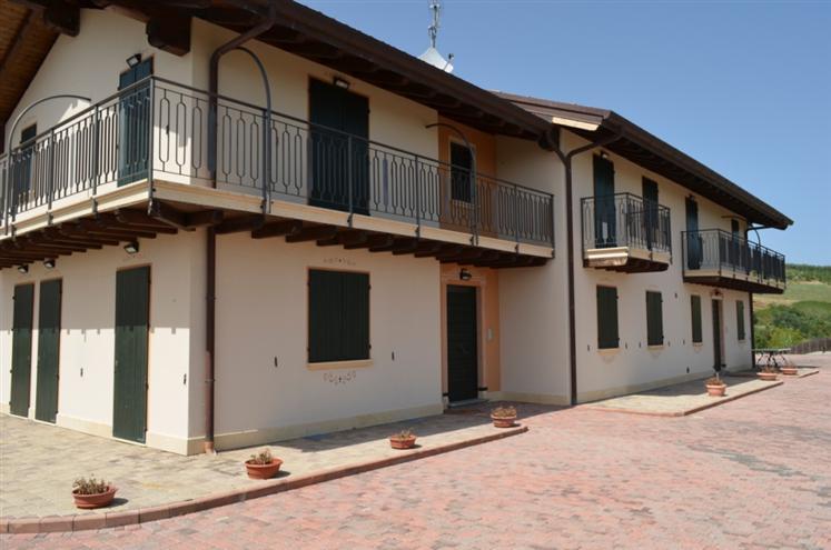 Azienda Agricola in vendita a Montefiore dell'Aso, 9999 locali, Trattative riservate | Cambio Casa.it