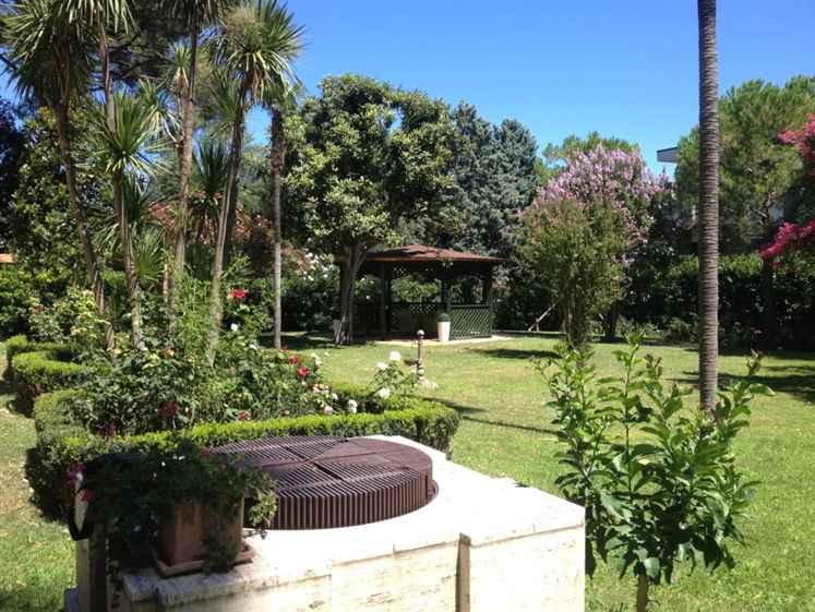 Villa in vendita a Jesi, 20 locali, Trattative riservate | Cambio Casa.it