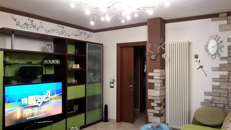 Appartamento in vendita a Castelbellino, 5 locali, zona Zona: Pianello Vallesina, prezzo € 169.000 | Cambio Casa.it
