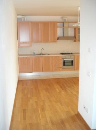Appartamento in vendita a Castelbellino, 3 locali, zona Zona: Castelbellino Stazione, prezzo € 70.000   Cambio Casa.it