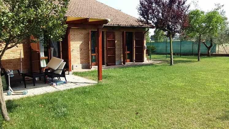 Villa Bifamiliare in Vendita a Monsano