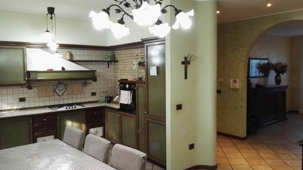 Villa in vendita a Montecarotto, 9 locali, Trattative riservate | Cambio Casa.it