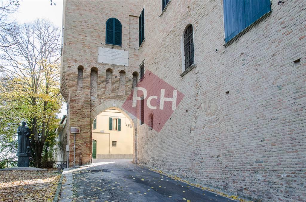 Negozio / Locale in vendita a Jesi, 4 locali, Trattative riservate | Cambio Casa.it