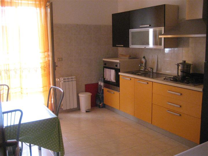 Appartamento in affitto a Venetico, 3 locali, zona Zona: Venetico Marina, prezzo € 1.200 | CambioCasa.it