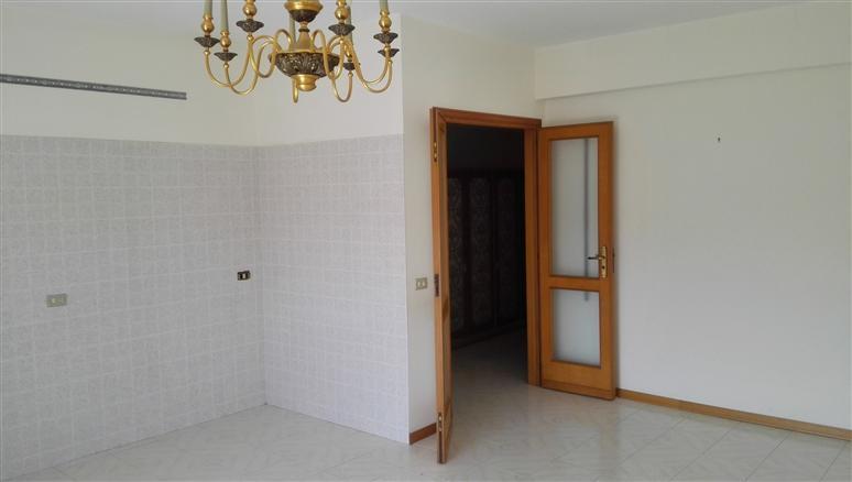 Appartamento in vendita a Torregrotta, 2 locali, zona Località: FRAZIONI: SCALA, prezzo € 73.000 | CambioCasa.it