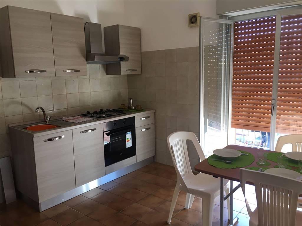 Appartamento in affitto a Venetico, 4 locali, zona Zona: Venetico Marina, prezzo € 1.500 | CambioCasa.it