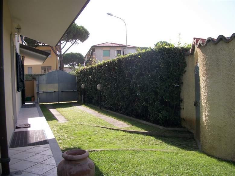 Casa semi indipendente, Lido Di Camaiore, Camaiore, in ottime condizioni