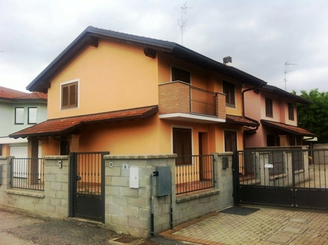 Villa in Vendita a Parona