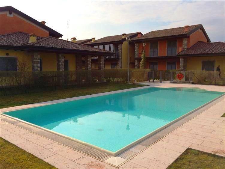 Soluzione Indipendente in vendita a Moniga del Garda, 6 locali, prezzo € 265.000 | CambioCasa.it