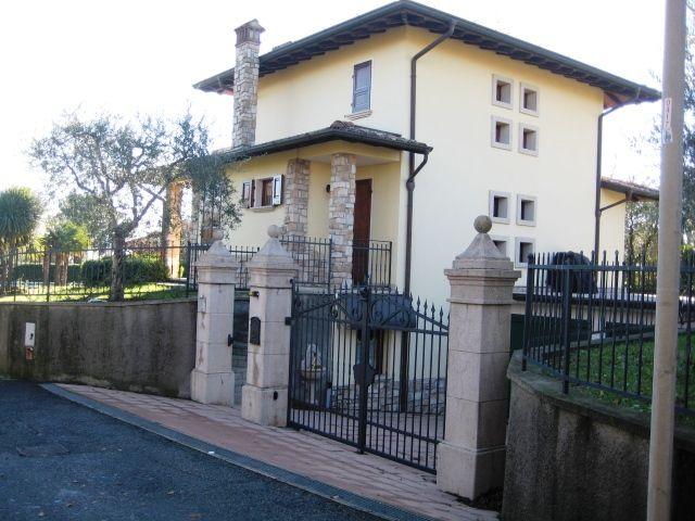 Soluzione Indipendente in vendita a Moniga del Garda, 6 locali, prezzo € 860.000 | CambioCasa.it