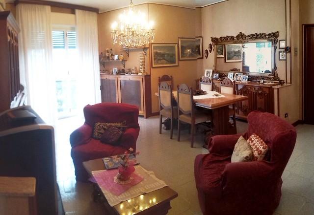Appartamento in vendita a Vigevano, 4 locali, prezzo € 155.000 | CambioCasa.it