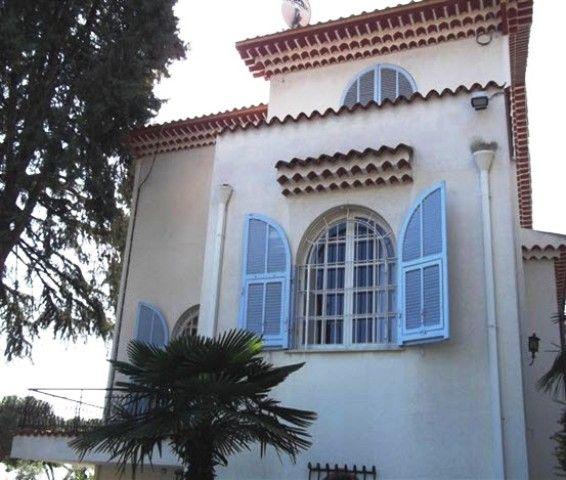 Soluzione Indipendente in vendita a SanRemo, 6 locali, prezzo € 1.500.000 | CambioCasa.it