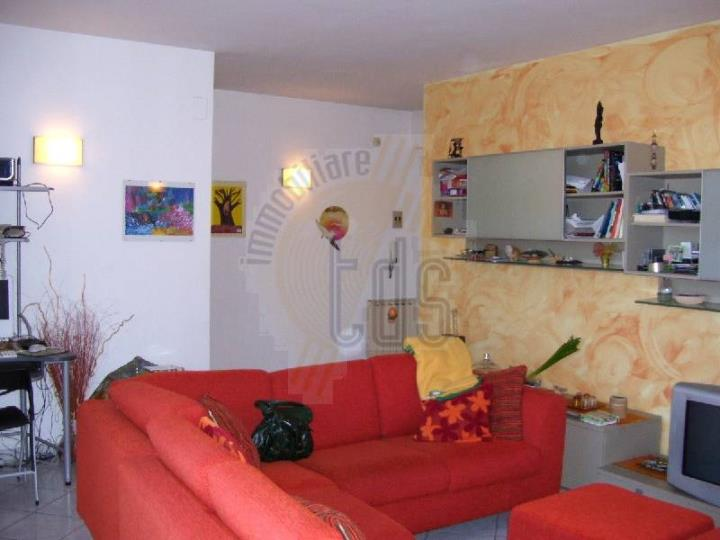 Appartamento in vendita a Cavriglia, 4 locali, zona Zona: Castelnuovo dei Sabbioni, prezzo € 160.000 | CambioCasa.it