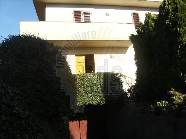 Soluzione Indipendente in vendita a Castelfranco Piandiscò, 6 locali, zona Località: VAGGIO, prezzo € 380.000   CambioCasa.it