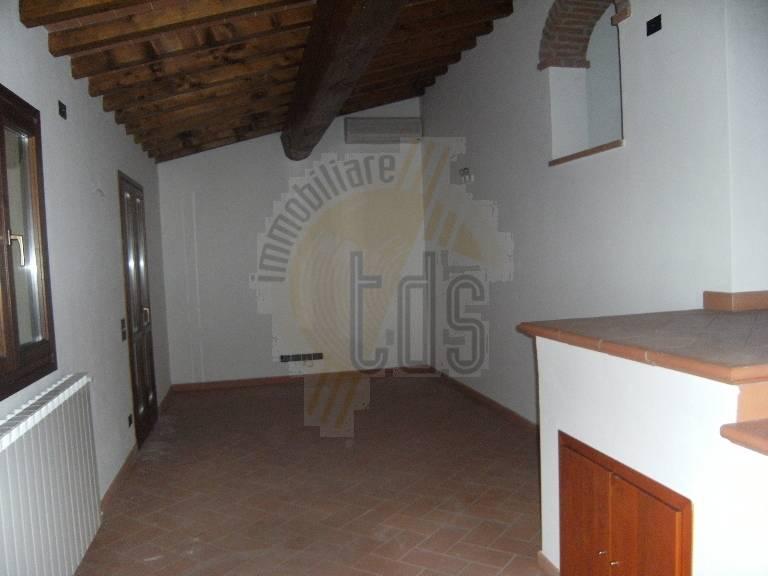 Rustico / Casale in vendita a Reggello, 5 locali, zona Zona: Cetina, prezzo € 290.000 | Cambio Casa.it