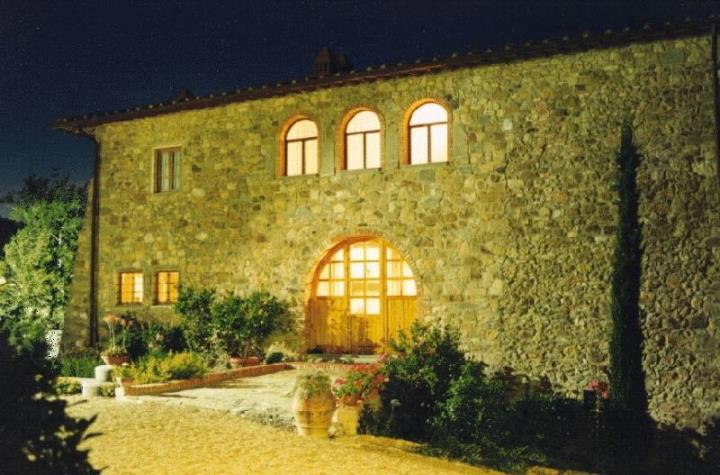 Soluzione Indipendente in vendita a Cavriglia, 15 locali, zona Località: MASSA SABBIONI, Trattative riservate | Cambio Casa.it