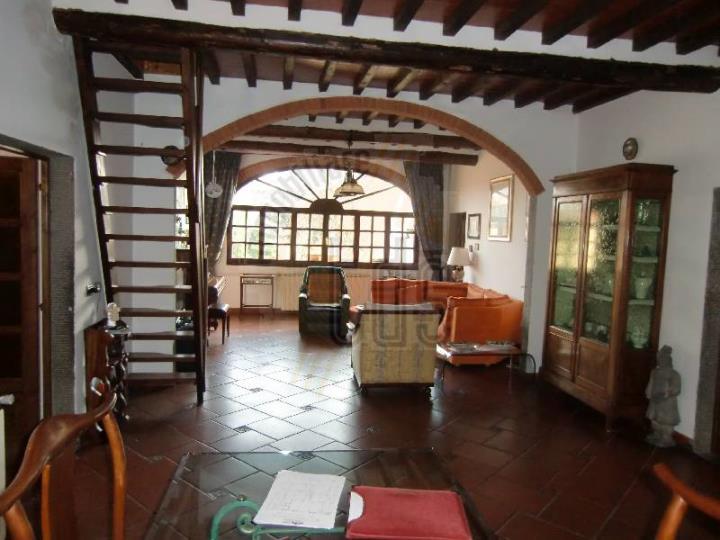 Soluzione Indipendente in vendita a Reggello, 6 locali, zona Località: MATASSINO, prezzo € 480.000 | Cambio Casa.it