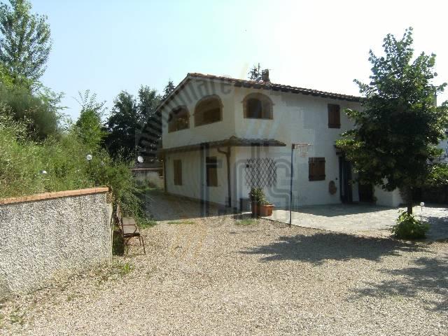Rustico / Casale in vendita a Reggello, 5 locali, zona Località: MONTANINO, prezzo € 300.000 | Cambio Casa.it
