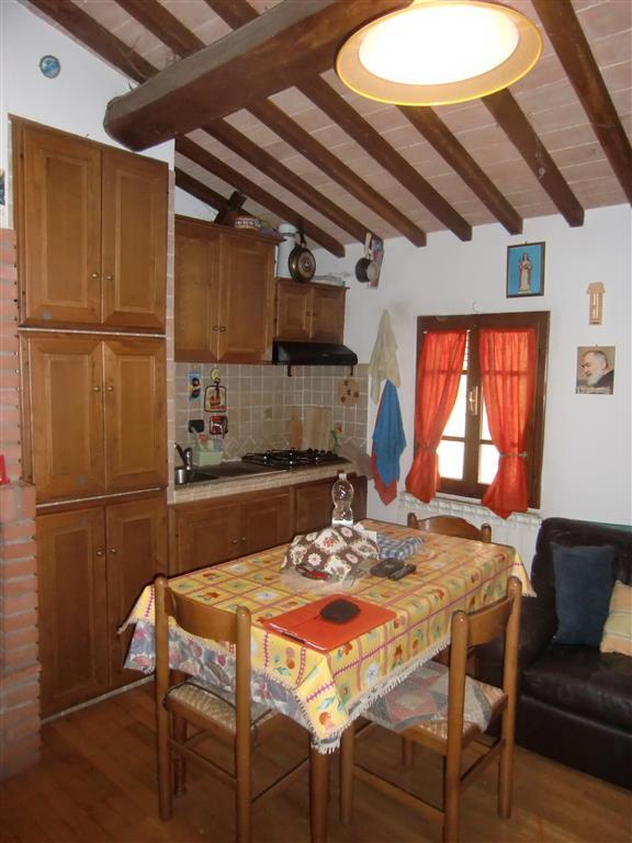 Appartamento in vendita a Cavriglia, 2 locali, zona Zona: Centro, prezzo € 80.000 | Cambio Casa.it