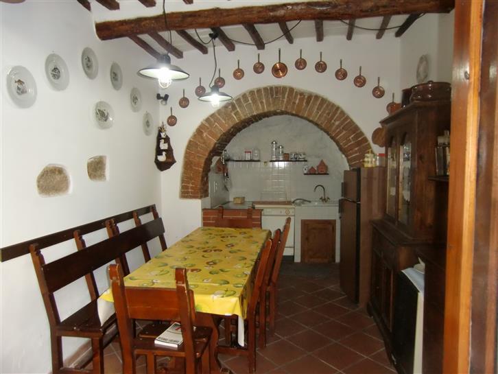 Appartamento in vendita a Cavriglia, 4 locali, zona Zona: Montegonzi, prezzo € 70.000 | Cambio Casa.it