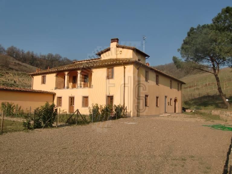 Soluzione Indipendente in vendita a Figline e Incisa Valdarno, 4 locali, zona Località: MATASSINO, prezzo € 180.000 | CambioCasa.it
