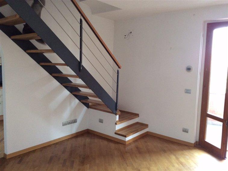 Appartamento in vendita a Montevarchi, 4 locali, zona Zona: Chiantigiana, prezzo € 165.000 | Cambio Casa.it