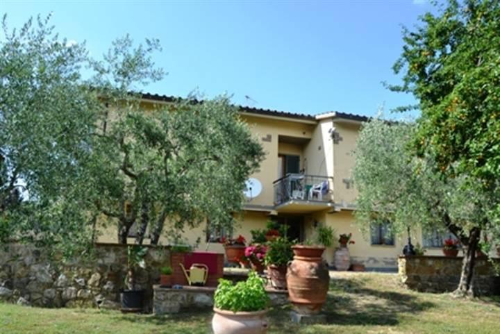 Villa in vendita a Figline e Incisa Valdarno, 8 locali, zona Località: GAVILLE, prezzo € 450.000 | CambioCasa.it