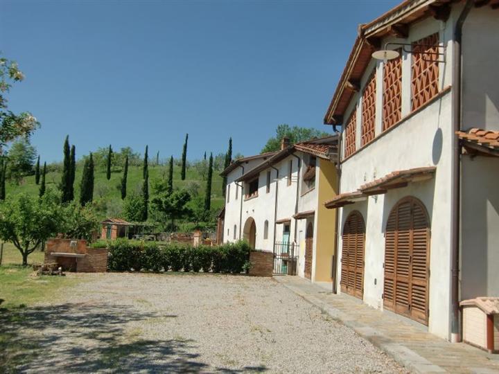 Soluzione Indipendente in vendita a San Giovanni Valdarno, 18 locali, zona Zona: Campagna, prezzo € 1.500.000 | CambioCasa.it