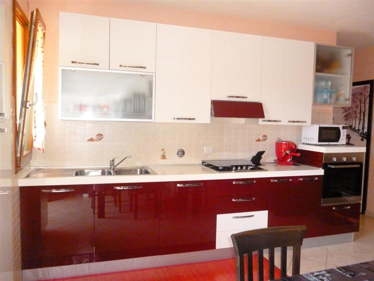 Appartamento in vendita a Cavriglia, 4 locali, zona Zona: Cetinale, prezzo € 140.000 | CambioCasa.it