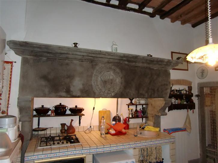 Appartamento in vendita a Cavriglia, 2 locali, zona Zona: Meleto Valdarno, prezzo € 60.000 | CambioCasa.it