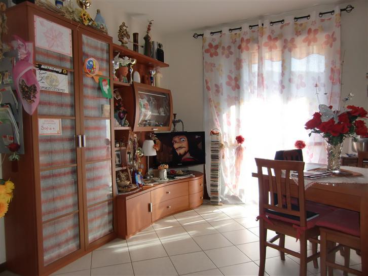 Appartamento in vendita a Reggello, 3 locali, zona Zona: Cascia, prezzo € 142.000 | Cambio Casa.it