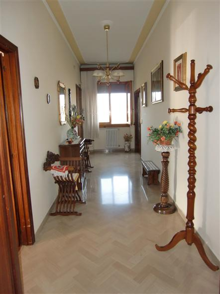 Appartamento in vendita a Montevarchi, 5 locali, prezzo € 220.000 | Cambio Casa.it